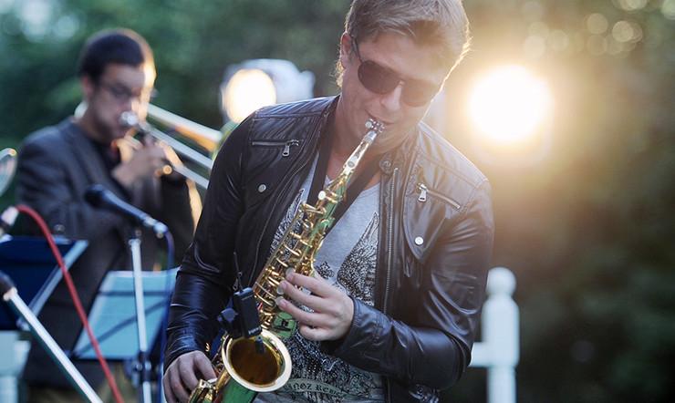«Москва онлайн» покажет звезд мирового иотечественного джаза всаду «Эрмитаж»