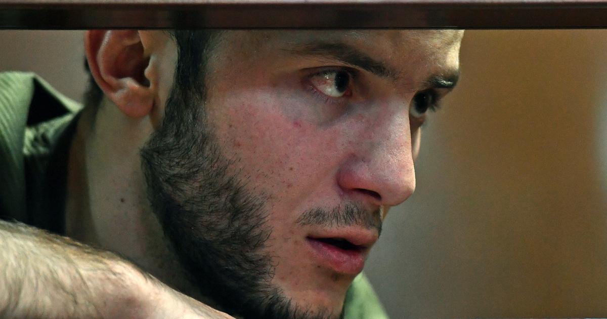 Разыгравшего приступ COVID-19 в московском метро блогера приговорили к колонии