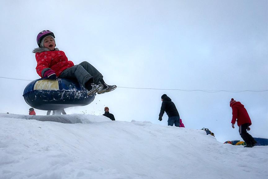чем занять ребенка на зимних каникулах